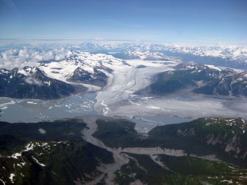Melting glaciers contribute to Alaska earthquakes