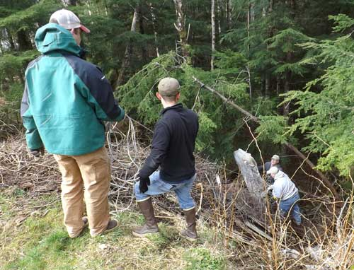 jpg Earth Day Marks Ninth Years for USCG's Community Clean UP