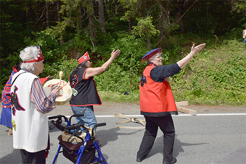 jpg Dipper clan members dancing
