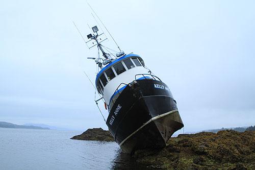 jpg Fishing Vessel Grounded at Refuge Cove