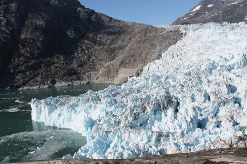 Extreme melting where glacier meets ocean