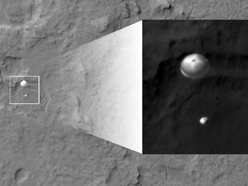 jpg NASA Lands Car-Size Rover Beside Martian Mountain