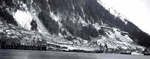 jpg The steamship S.S. Aleutian docks in Juneau sometime between 1939 and 1959.