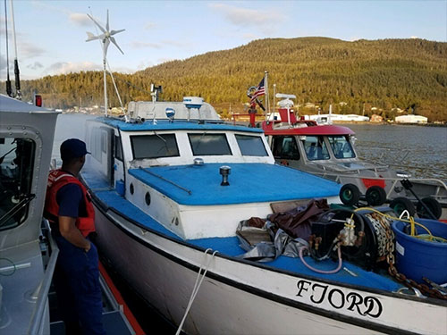 jpg Mariners rescued from burning boat near Ward Cove