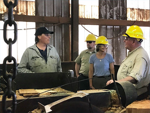 jpg U.S. Sen. Lisa Murkowski and U.S. Sec. of Agriculture Sonny Perdue at Goose Creek Mill on POW.