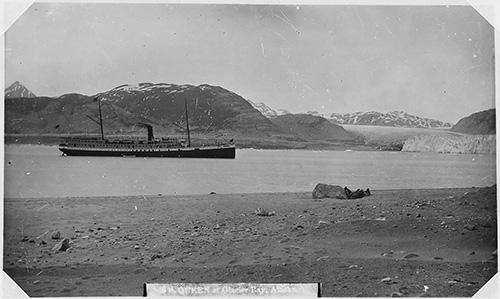jpg SS Queen at Glacier Bay