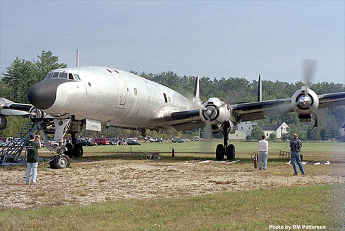 jpg N8083H gives the crowd a thrill in September 1998.
