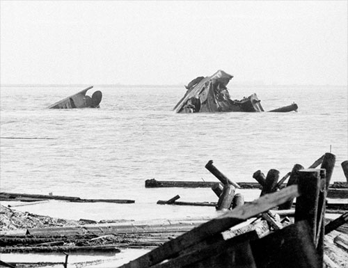 jpg Twisted wreckage of the Victory-ship SS Quinault Victory after being demolished in a munitions explosion at Port Chicago, California, United States, 17 Jul 1944.