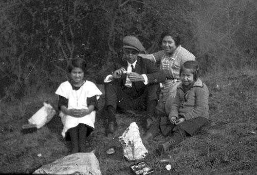 jpg Ernestine (Babe), Paul & Nettie, and Irene Jones, 1930s