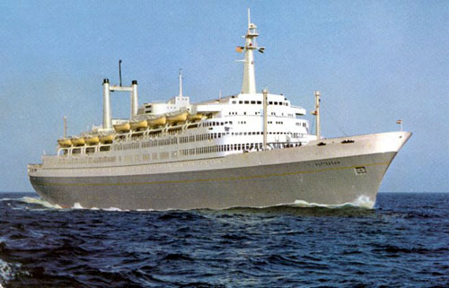 SitNews A Tale Of Two Cruise Ships By DAVE KIFFER - How many knots does a cruise ship go