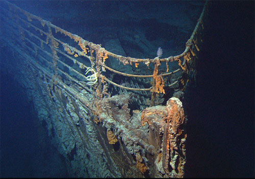 jpg View of the bow of the RMS Titanic photographed in June 2004 by the ROV Hercules during an expedition returning to the shipwreck of the Titanic