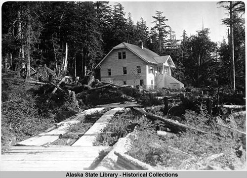 jpg House in Ward Cove, Tongass Highway, 9/24/1929