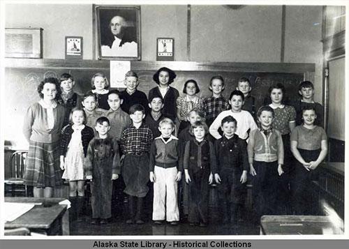 jpg School photograph from Wacker School, 1942-43.