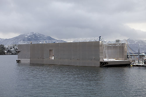 jpg World's first portable floating dry dock
